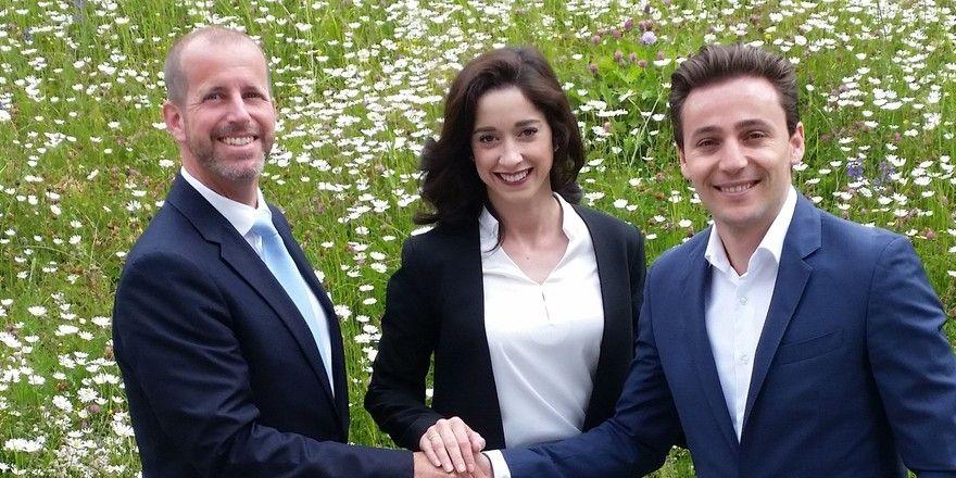 Stabsübergabe: Der bisherige Direktor André Salamin mit seinen Nachfolgern Maria und Bardhyl Coli.