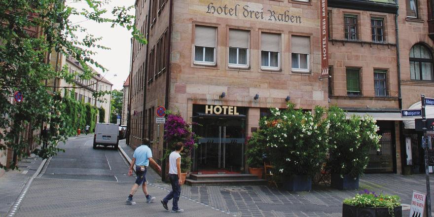 Zentrale Lage: Das Themenhotel Drei Raben ist seit Jahrzehnten im Besitz der Familie von Daniela Hüttinger.