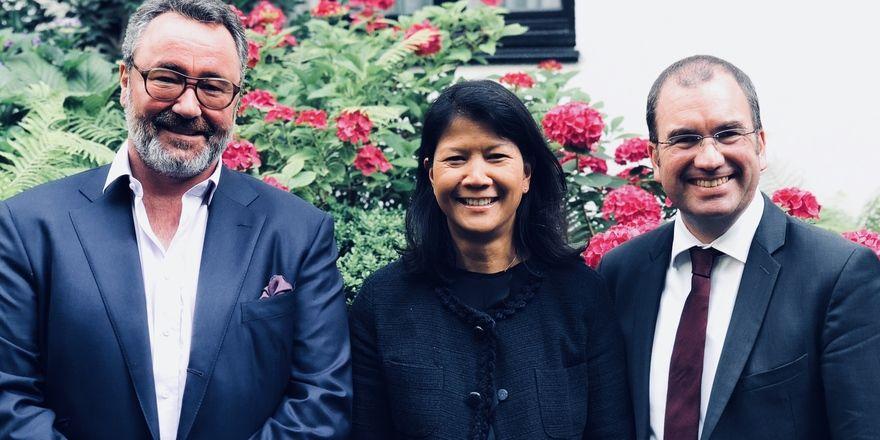 Eigentümer, alte Chefin, neuer Chef: (von links) Stephan Kuffler, Salika Glattkowski und Kay Oliver Heller