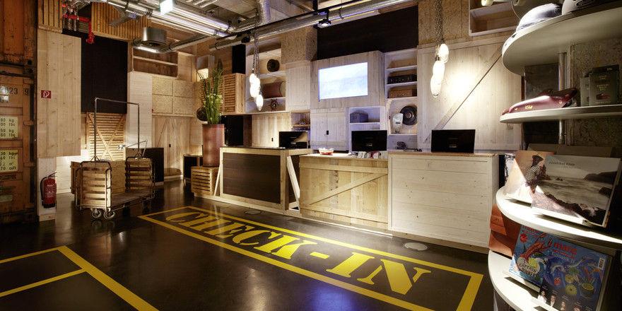 Erweiterter Service: Im 25hours Hotel Hafencity in Hamburg gibt es jetzt einen Concierge, der nicht nur Gästen, sondern auch Nachbarn hilft