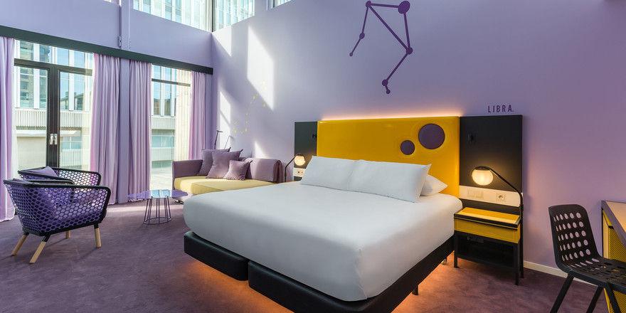 Farben sind Teil des Designs: Jede Etage des Room Mate Bruno in Rotterdam hat eine andere Farbkombination, die sich auch in den Zimmern widerspiegelt