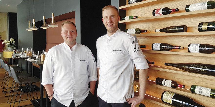Kreatives Duo: Maximilian Lorenz (links) und Enrico Hirschfeld bekochen im Wechsel die Gäste des Weinlokals Heinzhermann (Foto) und des benachbarten Restaurants Maximilian Lorenz.
