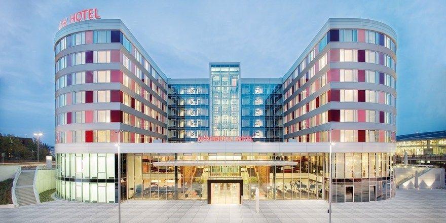 Das Mövenpick Airport/Messe in Stuttgart: Jetzt gehört es endgültig zu Accorhotels. In unmittelbarer Nachbarschaft entsteht derzeit ein weiteres Mövenpick Hotel