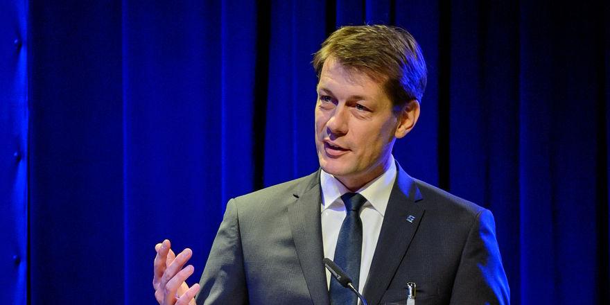 Klare Forderungen an die Politik: DEHOGA-Bundespräsident Guido Zöllick verdeutlichte die Standpunkte des Verbands beim Forum Systemgastronomie in Berlin