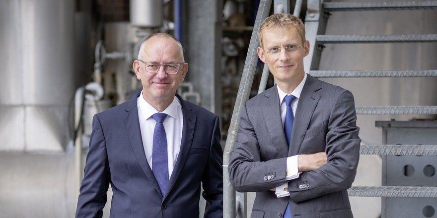 Verstärkung in der Vorstandsebene: Professor Dr. Andreas Buske und neuer Vorstand Christian Nasarow (links) freuen sich auf eine gute Zusammenarbeit.