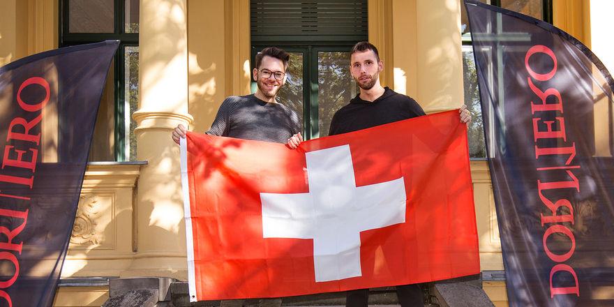 Geben die Expansion auf den Schweizer Markt bekannt: (von links) Tobias Graf, Pressesprecher der Dormero Hotel AG mit Dormero-Vorstand Marcus Maximilian Wöhrl