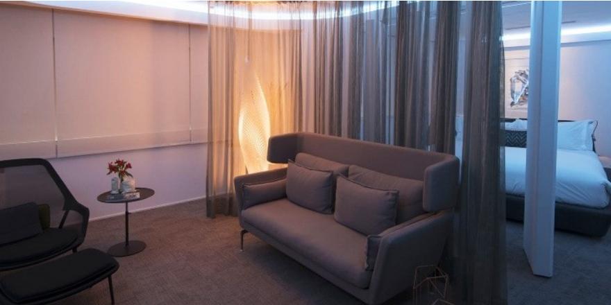 Der Gast als Designer: Im Pullman São Paulo Vila Olimpia Hotel kann er jetzt sein Zimmer selbst gestalten (Screenshot)