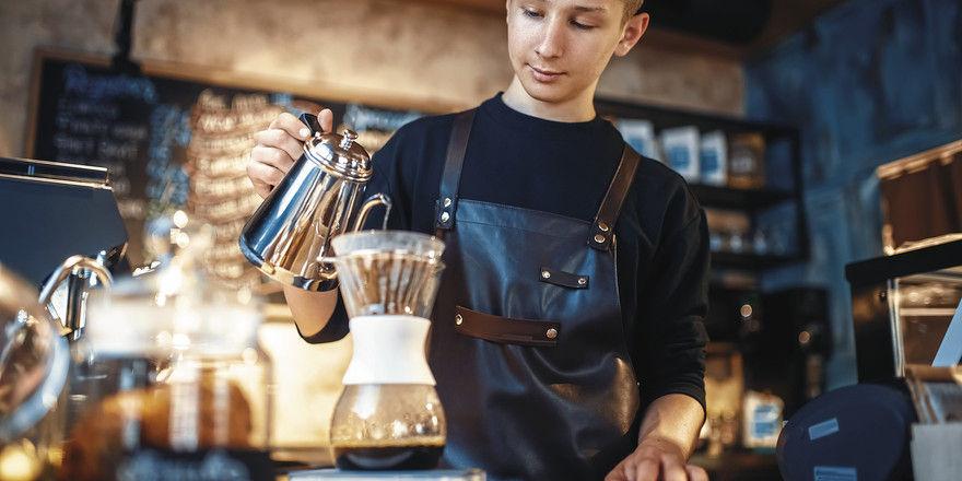 Trend handgefilterter Kaffee: Er besetzt sicherlich noch eine Nische, aber Filterkaffee insgesamt macht weiterhin das Gros des Konsums aus.