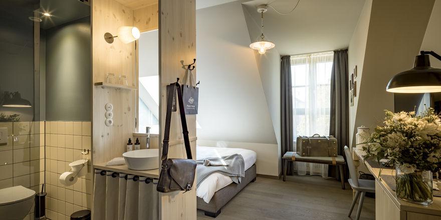 Modern-bayerischer Chic: Blick in eines der Zimmer im Marias Platzl