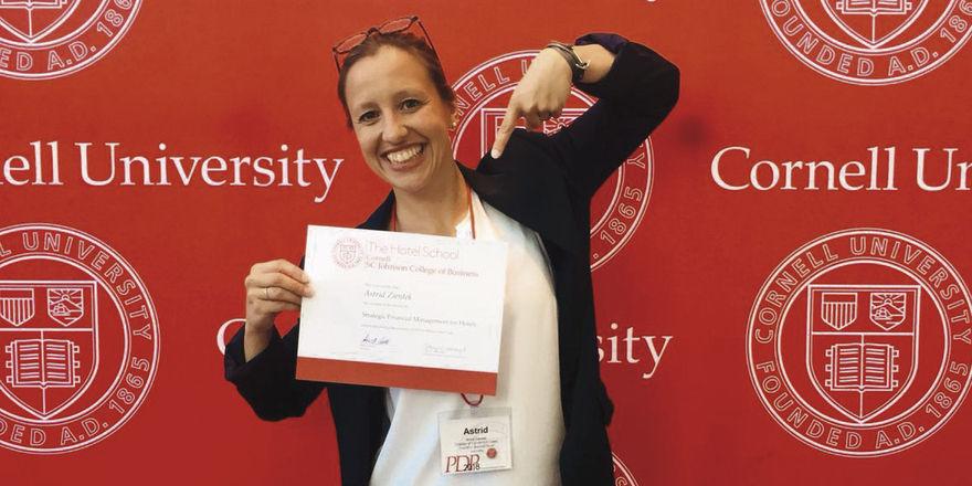 Geschafft: Astrid Zientek mit Cornell-Abschluss.