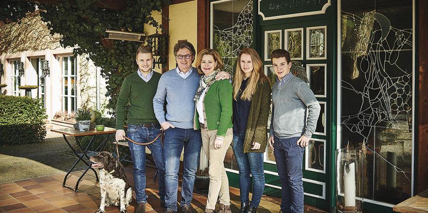 Familie mit Gastro-Gen: (von links) Max, Harald, Ruth, Helena und Frederik Rüssel.