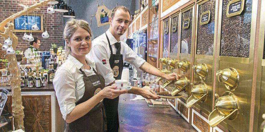 Große Sortenvielfalt: Neben den klassischen Blends bieten die Kaffeehäuser immer mehr sortenreine Spezialitäten mit definierter Herkunft an.