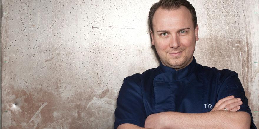 Rückt in die erste Reihe der deutschen Köche auf: Tim Raue erhält für die Küche seines Restaurants Tim Raue in Berlin 19,5 Punkte