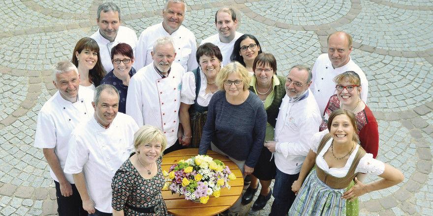 Sind erfolgreich mit ihrer Regionalküche: Gastgeber und Küchenchefs der Odenwald-Gasthäuser