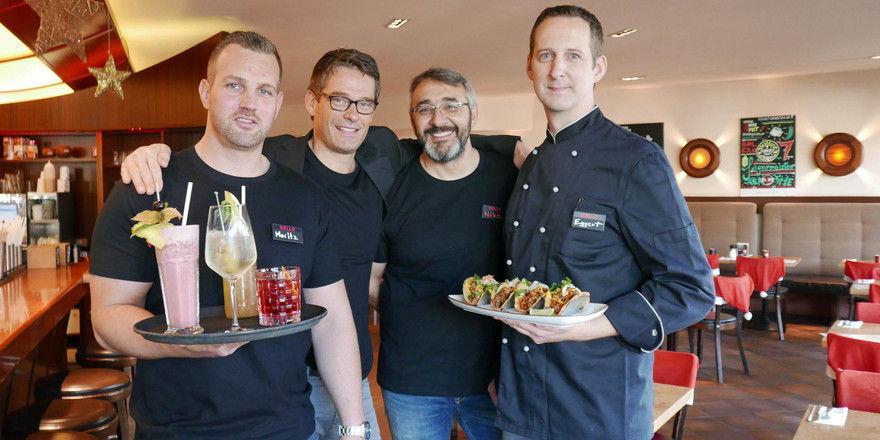 Bolero-Quartett: (von links) Bardirektor Moritz Lechner, Bolero-Geschäftsführer Christopher Nolde, Restaurantleiter Niko Parashkevov und Küchendirektor Eggert Röbel