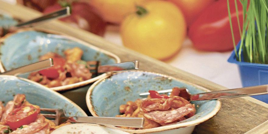 Griffbereit: Handliche Portionen, appetitlich präsentiert – hier von Kuffler – sind die Basis des Event-Geschäfts.
