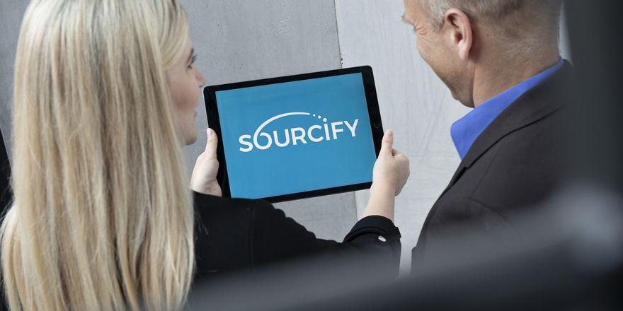 Vielversprechende Neugründung: Larissa Paare, Head of Sales & Business Development, Sourcify GmbH und Lars Schmid, Geschäftsführer der Sourcify GmbH, wollen die Lösung auch anderen Hotels zur Verfügung stellen