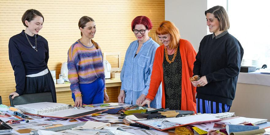 Kreative Köpfe:(von links) Emma Wessel (Stijlinstituut), Anja Bisgaard Gaede (Spott), Anne Marie Commandeur (Stijlinstituut), Caroline Till und Titia Dane (FranklinTill).