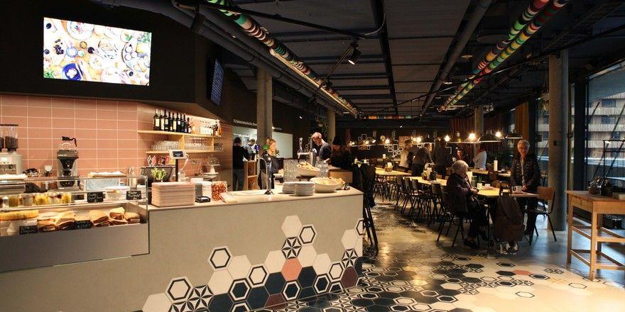 Ist als urbane Wohnung konzipiert: Das Restaurant Ella im Skigebiet Laax in der Schweiz