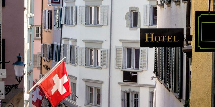 Fraglicher Aufschwung: Die Schweizer Hotellerie lockt zwar wieder mehr Gäste, setzt aber auf günstigere Preise