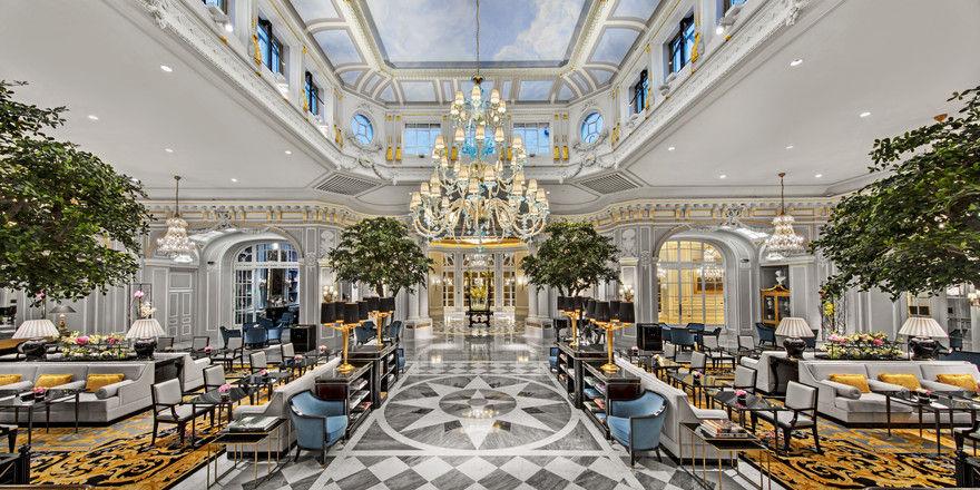 Prunkvoll: Die Lobby im Hotel St. Regis Rom