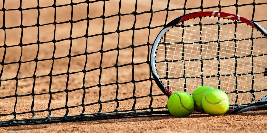 An die Netze: Tennis ist ein beliebter Sport mit deutschen Weltklasse-Spielern