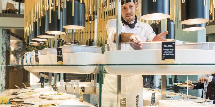 Gäste können sich selbst bedienen: Herzstück der Tibits-Restaurants sind große, zentral platzierte Buffets