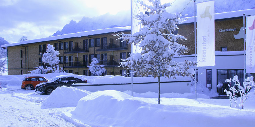 Klosterhof in Bayerisch Gmain: Hier muss Hotelier Matthias Golze kräftig räumen.