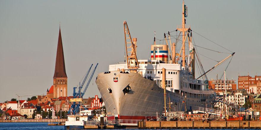 Touristenziel: Der Rostocker Stadthafen