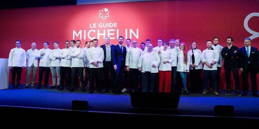 Spitzenköche auf der Bühne: Auf dem Galaabend des Guide Michelin Schweiz wurde der neue Band für 2019 vorgestellt