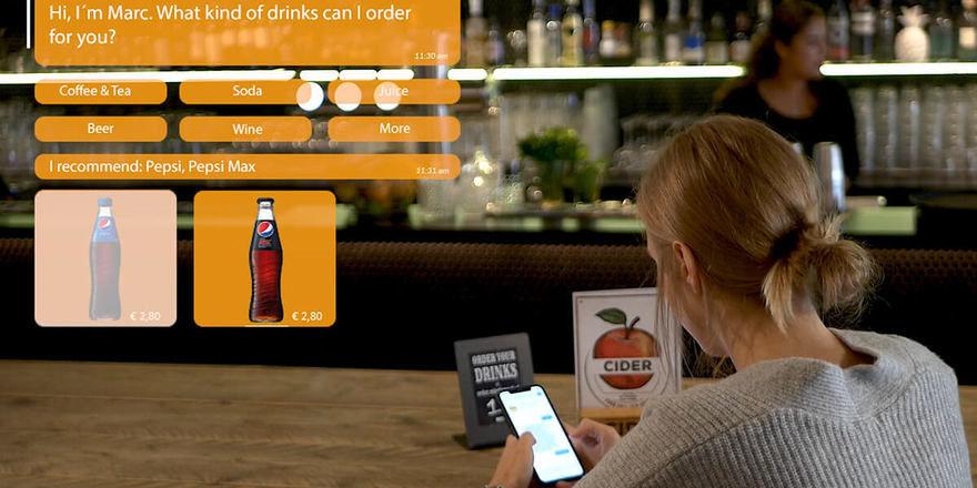 Neuer Prozess bei Gastrofix: Der Gast tippt seinen Getränkewunsch im Messenger an und bezahlt anschließend digital