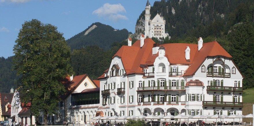 Am Seeufer und direkt unterhalb des weltberühmten Märchenschlosses: Das Ameron Neuschwanstein glänzt mit seiner Lage und der Kombination aus Alt- und Neubauten
