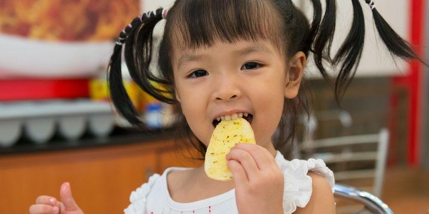 Lecker oder fies? Gastwirte bieten zu viel Frittiertes für Kinder an, besagt eine aktuelle Studie.