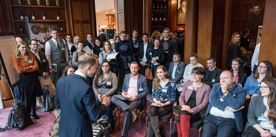 Hotalents in Berlin: Rege Diskussion bei den Workshops, hier mit Alfons Weiß vom Bayerwaldhof