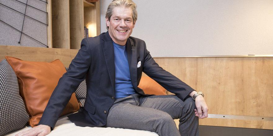 """Beat Kuhn: """"Digitalnomaden wollen in einem Hotelzimmer nicht nach einer Steckdose suchen"""""""
