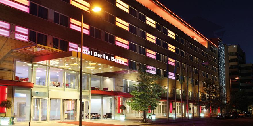 Die alte Dame am Lützowplatz: Das über 60 Jahre alte Hotel Berlin, Berlin