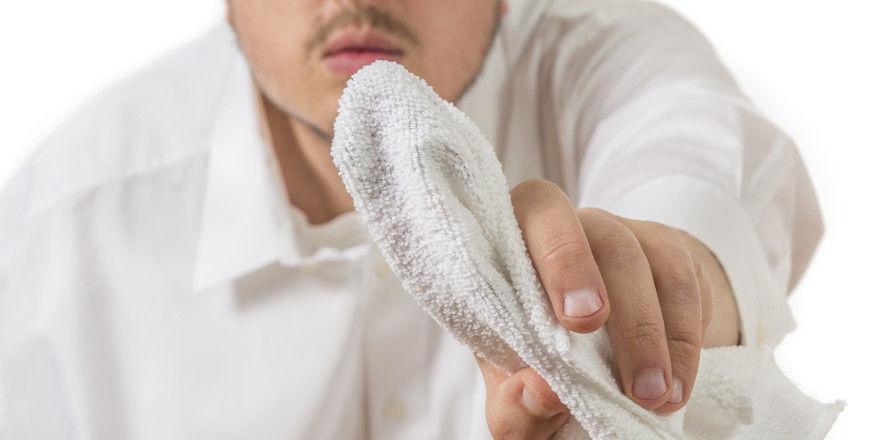 Hygienepflichten: Putzen in der Küche ist unerlässlich