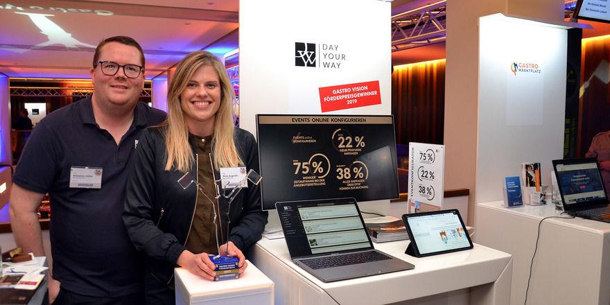 Starkes Duo: Sebastian Stiffel und Silvia Augustin stellten ihre webbasierte interaktive Bankettmappe Day your way auf der Gastro Vision vor