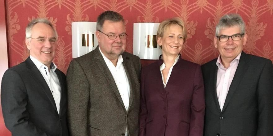 Neuer Vorstand der DEHOGA-Fachabteilung Catering: (von links) Schatzmeister Thomas Korn, die Stellvertretenden Vorsitzenden Dieter Gitzen und Cornelia Härtel sowie der neue Vorsitzende Jürgen Vogl