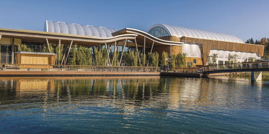 Market Dome: Hier befinden sich fast alle Gastro-Locations des Center Parcs Park Allgäu