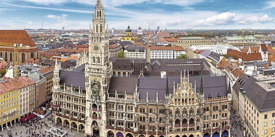 Marienplatz in München: Zwar steigt die Zahl der Hotelbetten rasant, aber auch die Übernachtungen legen weiter zu.