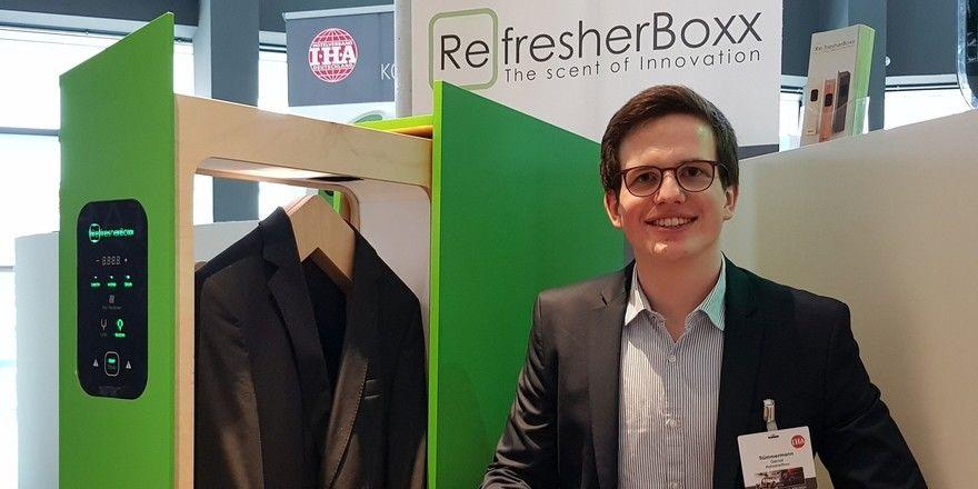 Eine Idee, die gut ankommt: Gernot Jonathan Sümmermann, einer der Gründer, stellte die Refresher Boxx beim IHA-Kongress vor