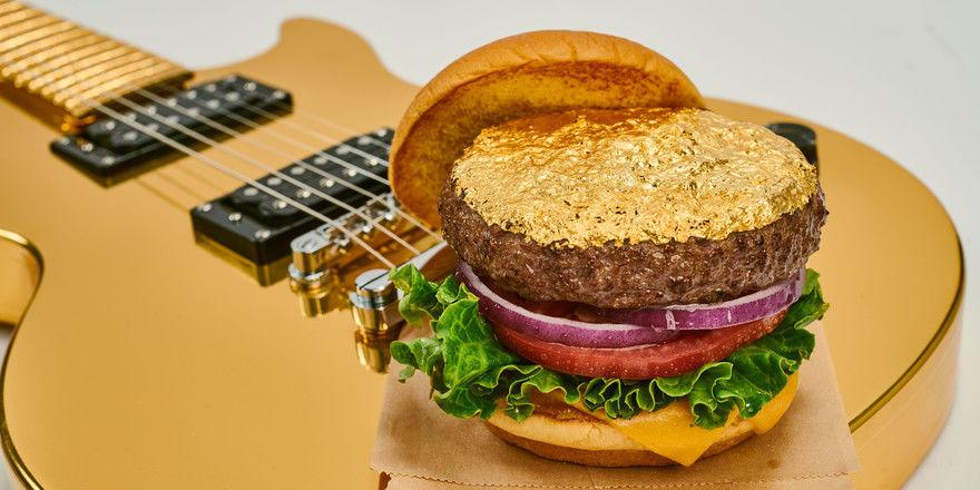 So sieht er aus: Der Gold-Burger von Hard Rock Cafe