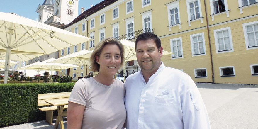 Eingespieltes Paar: Johann Rappenglück betreibt das Restaurant Schlossbrennerei am Tegernsee, Lebensgefährtin Ina Dimpel unterstützt ihn
