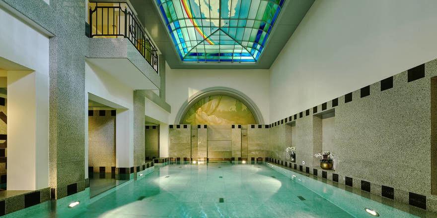 Pool im Royal Spa