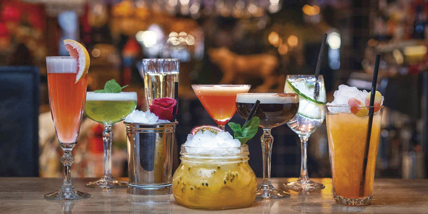 Aufgebot am Tresen: Serviert werden klassische Cocktails, aber auch Signature Drinks auf schwedische Art – darunter der Fizzy Bubblizz und der Soda Pop