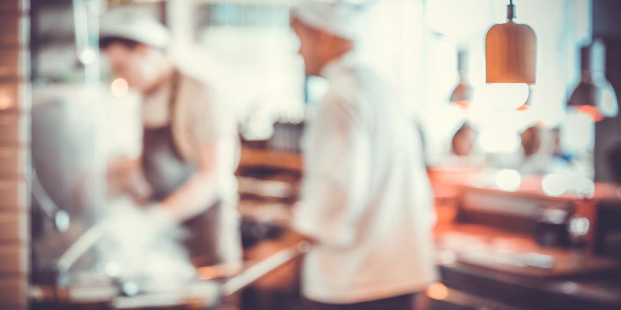 In Restaurantküchen wird hart gearbeitet - um so wichtiger ist es, Arbeitszeit-Vorschriften einzuhalten