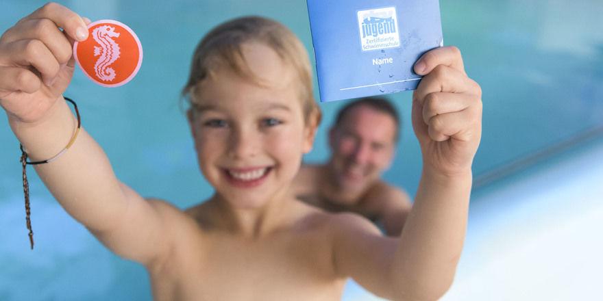 Ziel erreicht: Das Seepferdchen für kleine Schwimmer