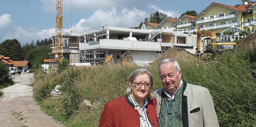 Erfahren: Maria und Franz Wagnermayr setzen dem traditionsreichen Angerhof einen hochmodernen Anbau voran