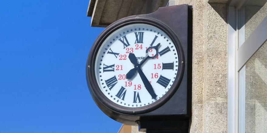 Arbeitszeiten: Bayern will an der Uhr drehen